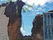 Lo que quedó de la fachada de la casa de los Arvelo. Patrimonio cultural de Barinas, Venezuela, en peligro.