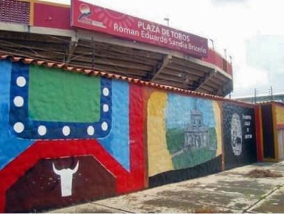 En 2015 fueron retocados los murales d de la plaza de toros Román Eduardo Sandia de Mérida. patrimonio cultural del estado Mérida, Venezuela..