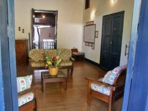 Sala interior de La Casa de la Hacienda o Hacienda Boquerón, adaptada al turismo, en Caripe, estado Monagas. Foto Venatour.com, noviembre de 2016.