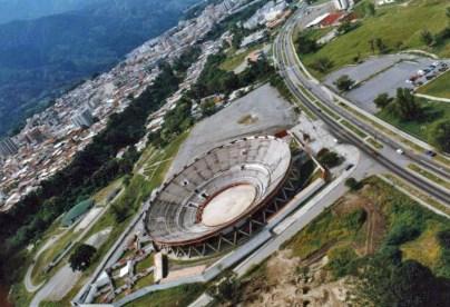 Vista aérea de la monumental de Mérida Román Eduardo Sandía. Patrimonio arquitectónico de Mérida Venezuela.