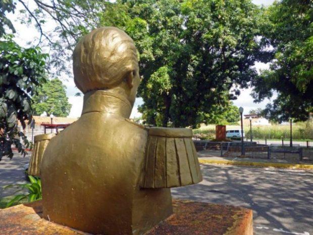 Ladrones del bronce hurtan escultura del paseo Los Trujillanos. Patrimonio cultural de Barinas en riesgo.
