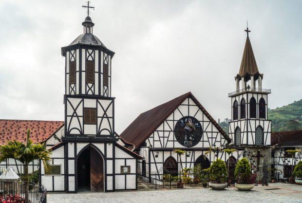Iglesia San Martín de Tour en peligro. Colonia Tovar, monumento histórico nacional de Venezuela.