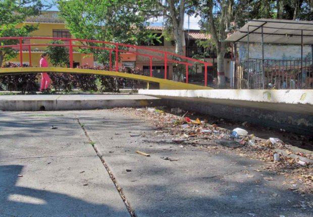 Estatua pedestre de Francisco de Miranda. Plaza Miranda de Mérida, Venezuela. Patrimonio cultural venezolano.