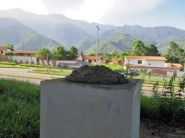 Desaparece estatua pedestre de bronce del fray Juan Ramos de Lora, en Mérida. Patrimonio cultural venezolano en peligro.