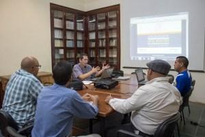 Sesión teórica en los espacios del Instituto de Patrimonio Cultural ubicados en el casco histórico de Coro. Foto Francisco Colina.
