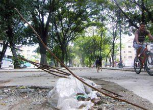 Paseo Los Símbolos, espacio que integra el Sistema de la Nacionalidad, en Caracas. Patrimonio cultural de Venezuela en peligro.