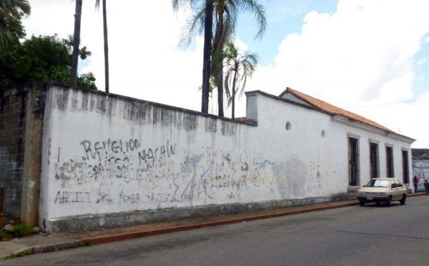 La Pulideña, sede del Museo Alberto Arvelo Torrealba. Mansión colonial del siglo XVIII. Monumento histórico nacional de Venezuela en peligro.