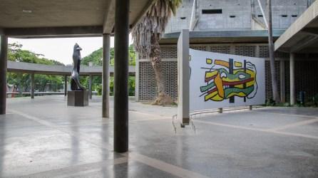 Título: Amphion. Autor: Henri Laurens. Año: 1953. Plaza cubierta, Ciudad Universitaria de Caracas. Fotografía Luis Chacín.