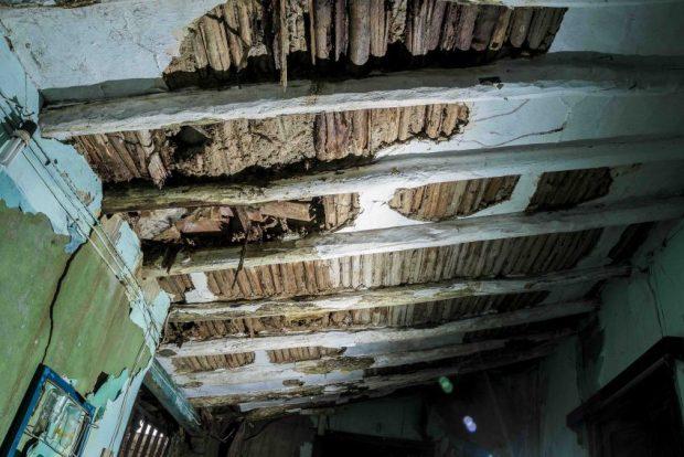 Con las lluvias el techo de la casa de las Lugo se comenzó a caer. Coro, Falcón. Foto Jesús Romero, octubre 2018. Patrimonio mundial en peligro. Venezuela.