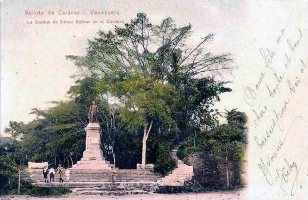 Estatua de El Libertador, en el Paseo El Calvario, Caracas para 1900. Foto Tarjeta postal de 1899. Foto viejasfotosactuales.multiply.com.