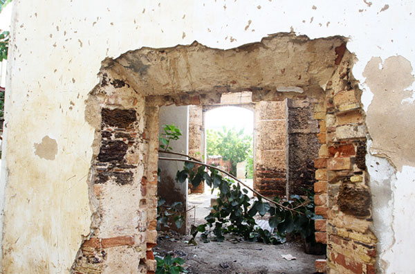 Ruinas del templo San Felipe Neri. Foto Luis Bravo_diario Panorama, 2015.