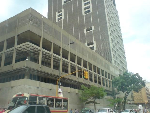 Edificio del BCV. Foto Caracasapie, 2007.