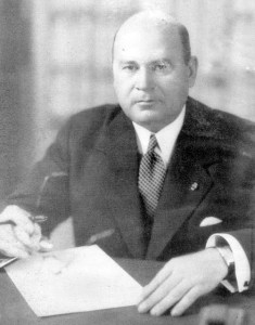 Edificio Nacional de San Cristóbal, estado Táchira. General de División Isaías Medina Angarita, presidente de los Estados Unidos de Venezuela entre 1941 y 1945. Foto Venezuela 1945.