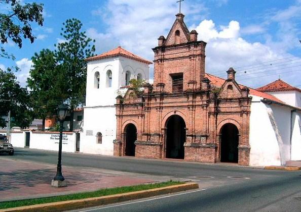 Iglesia colonial de Araure, 1750. Foto en el blog portuguesa en línea.