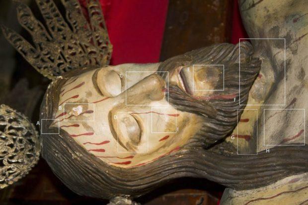 Cata de repintes y pérdida de preparación y película pictórica, observables en el rostro del Santo Cristo de La Grita.