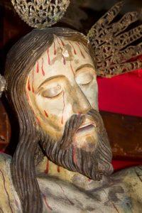 Estado actual de la talla del rostro del Santo Cristo de La Grita, visto desde su lado derecho (izq. del observador), sin la corona de espinas. Foto Abel Gerardo Rodríguez, TRT, 2013.