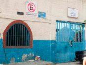 Fachada externa de la Escuela María May, en el barrio El Calvario. El Hatillo, estado Miranda. Foto Luis Chacín, 2018. copia