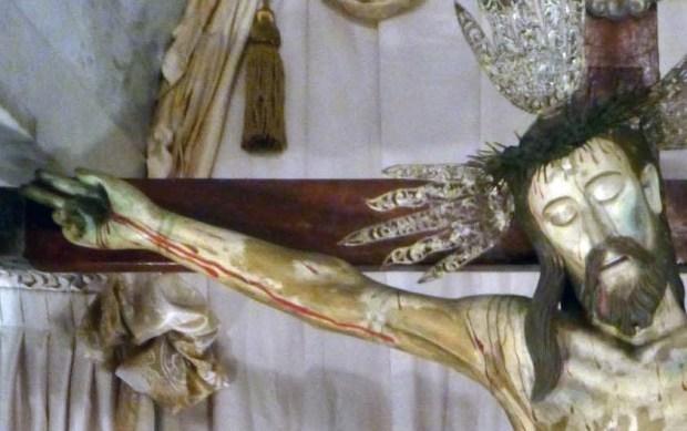 Sección derecha superior (izquierda del observador) de la talla del Santo Cristo de La Grita Táchira. Foto Miguel Ángel Márquez, 2010.
