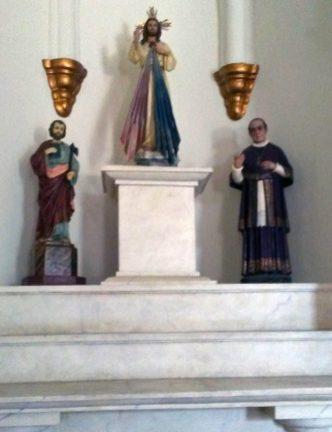 Parte de la colección de la iglesia San Rafael, de El Moján. Municipio Mara, estado Zulia. Foto Marinela Araque, marzo 2019.