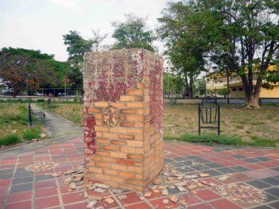 Pedestal donde estaba el busto de José Antonio Paez, robado el 2 de abril de 2019. Barinas. Foto Marinela Araque, abril, 2019. copia