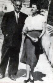 Manuel Mujica Millán junto a su esposa Berta Heny de Mujica, c. 1950.