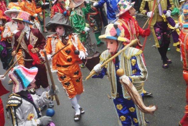 Danceros o promeseros del baile de los Locos de San Isidro, en Mérida. Foto Sabrina Morantes, mayo 2017.