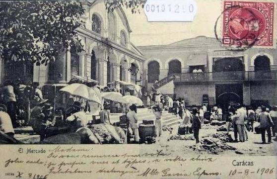 Postal del Mercado de San Jacinto, donde se aprecia parte de su fachada. Fuente Viejas Fotos Actuales,