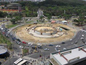 Vista de plaza Venezuela durante la restauración de entre 2007 y 2009. Foto en arquitecturapanamericana