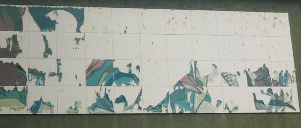 """Pese a que la plaza Luis Razetti se mantiene en regular conservación, su """"Mural de la poesía"""" sufre un grave deterioro. Fotos Marinela Araque R."""