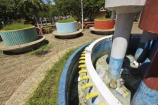 Monumento degradado a dormitorio de indigentes. Foto Nuevaprensa.com.ve