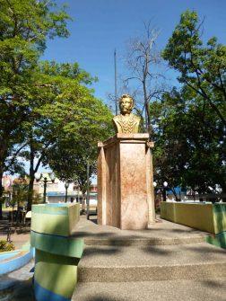 Busto de José Felix Ribas. Foto Marinela Araque.
