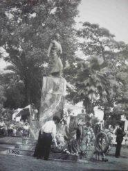 La estatua pedestre de Bolívar, que se incorporó en 1930. Foto Ramón Contreras Frías.