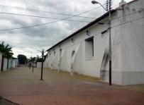 Lateral derecho de la iglesia San Nicolás de Bari, monumento histórico nacional de Venezuela.