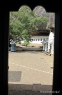 entrance to dambulla cave temple