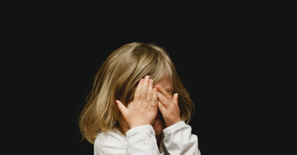 致H:姐夫希望姊姊維持假面夫妻,卻讓他們的女兒笑著流淚!
