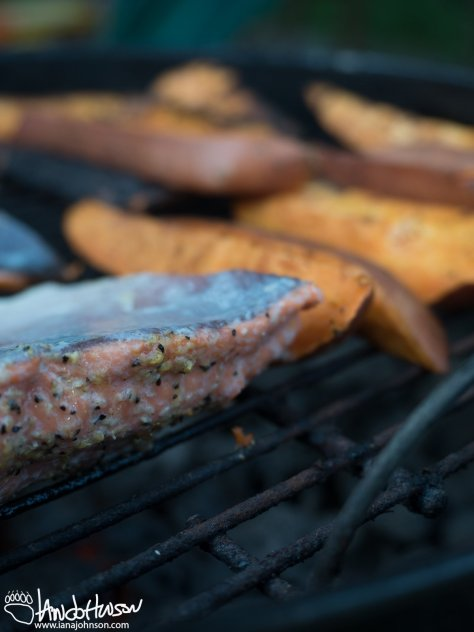Salmon with lemon pepper and olive oil