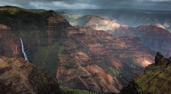 Hawaii : A Photojournal