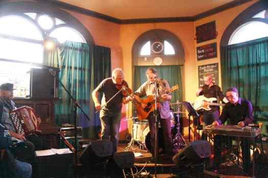 Ian Bland and the Lamington Drive Orchestra
