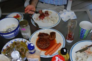may-25-memorial-day-lunch-next-door