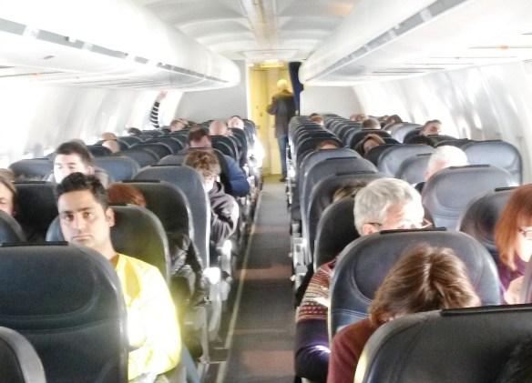 В ожидании «чуда». Все-таки семь часов даже в комфортабельном салоне самолета — это слишком