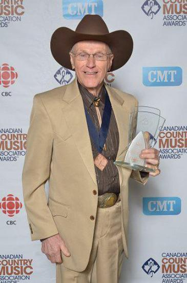 BURKE Johnny at CCMA HOF 2012