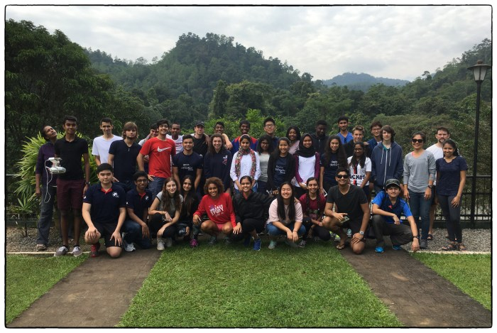 OSC's class of 2018 at the Kithulgala Resthouse shortly before we went in three separate directions in pursuit of different science goals.