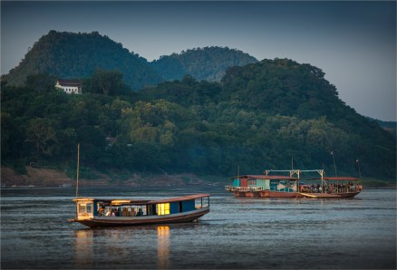 luang-prabang-2016-laos-1120-17x25