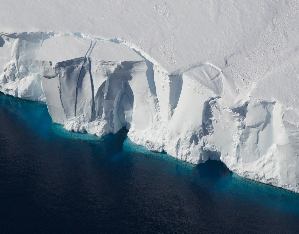 Ice shelves in Antarctica, such as the Getz Ice Shelf seen here, are sensitive to warming ocean temperatures. Ocean and atmospheric conditions are some of the drivers of ice sheet loss that scientists considered in a new study estimating additional global sea level rise by 2100. (Photo Courtesy: Jeremy Harbeck/NASA)