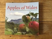 Apples of Wales by Carwyn Graves (English)