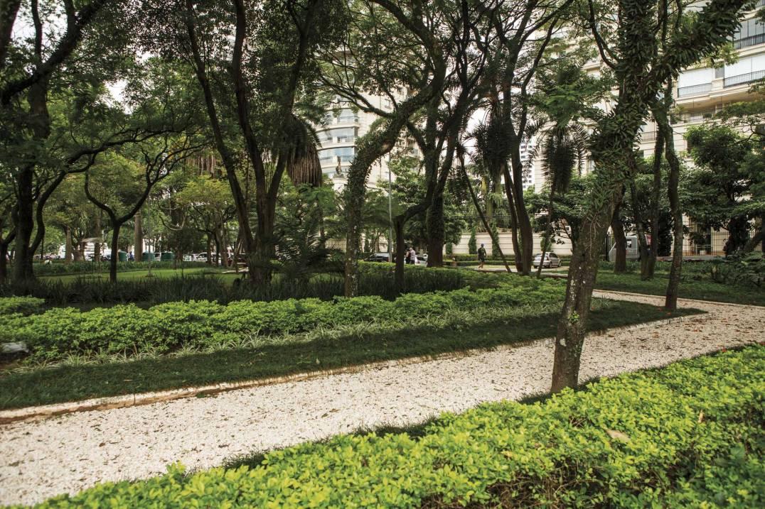 Praça Carlos Gardel