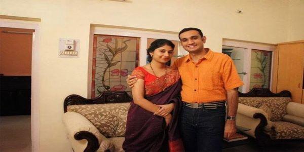 Smita got married to Mr. Akun Sabharwal. He is an IPS officer.
