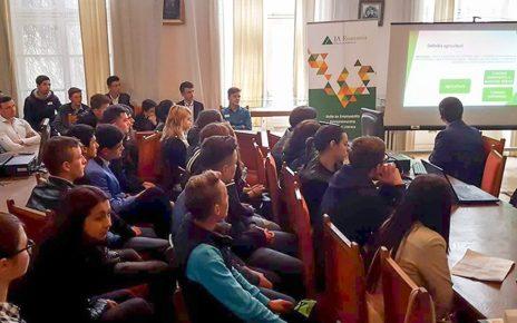 Idei de afaceri inedite promovate de tineri antreprenori din Miroslava la Gala JA Hall of Fame – Investește în educație!®