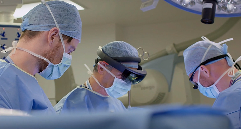 La FDA approuve le premier système de réalité augmentée à usage chirurgical