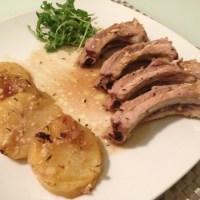 """Costilla de cerdo al horno con patatas (con """"mejunje"""" de mostaza)"""
